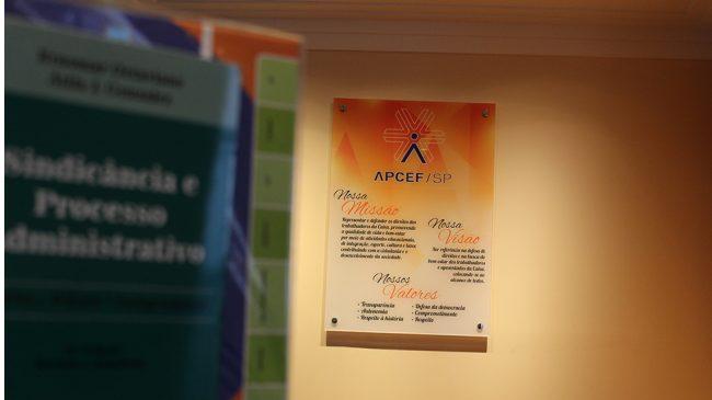 APCEF ingressa com ação coletiva para garantir direitos