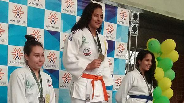 Crianças da ONG Moradia e Cidadania conquistam medalhas de judô