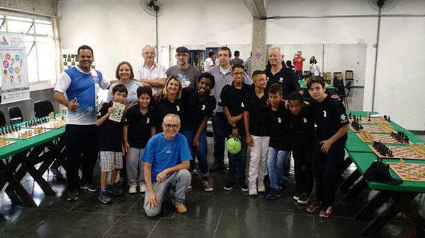 ONG Moradia e Cidadania realiza primeira simultânea de xadrez