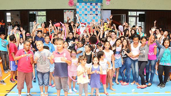 Festa de Natal da ONG Moradia e Cidadania será dia 10 no clube