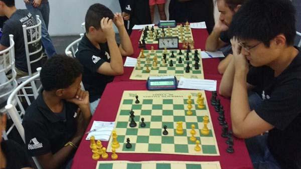 Alunos da ONG competem em torneio de xadrez pela APCEF/SP