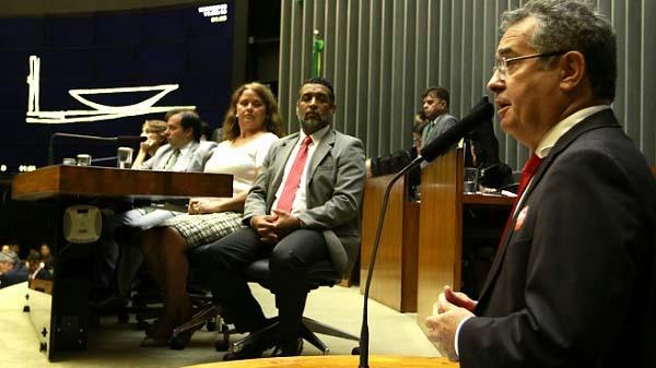 Sufocamento da Caixa não interessa à sociedade brasileira