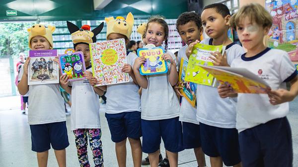 Eu Faço Cultura entrega Biblioteca em São Paulo