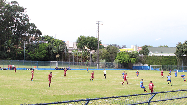 Nova iluminação do campo de futebol do clube será inaugurada quinta (28)