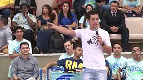 ONG promove palestra motivacional para jovens