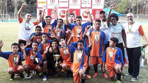 Equipe da ONG Moradia e Cidadania vence a Copa Decisão de Futebol