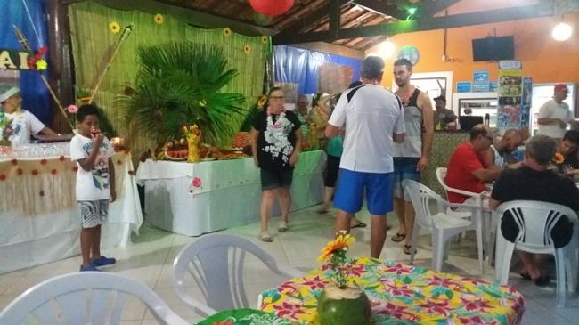 Colônia de Suarão faz Festa do Havaí com decoração especial
