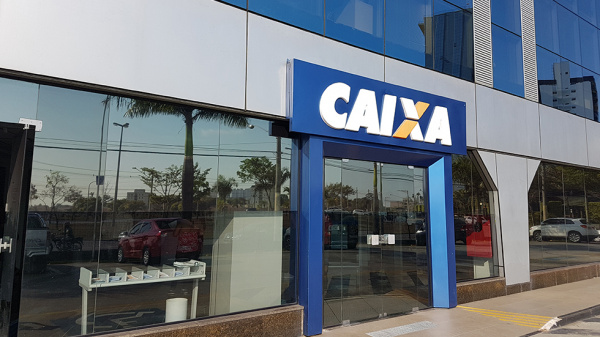 Tarifas e prestação de serviços sustentam lucro de 2018