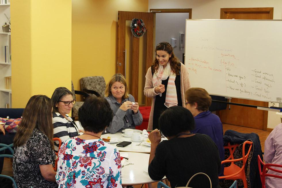 APCEF promove aulas de inglês para aposentados