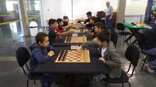 Sábado no clube foi especial para o pessoal que pratica xadrez