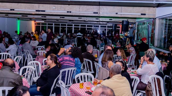 Associados participam de Noite Italiana
