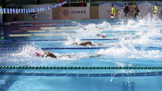 Nadadores da APCEF/SP vão ao Complexo do Ibirapuera