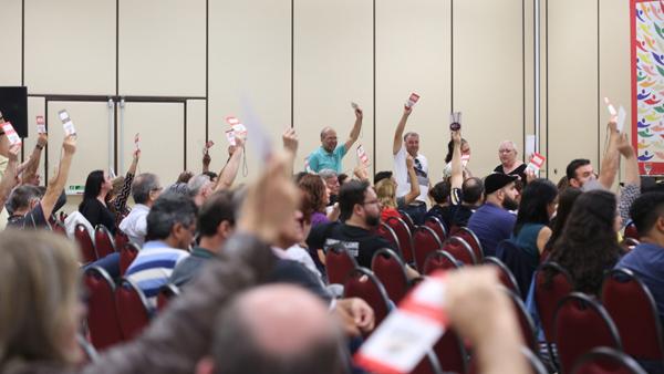 Unidade e resistência pautam estratégias dos empregados da Caixa