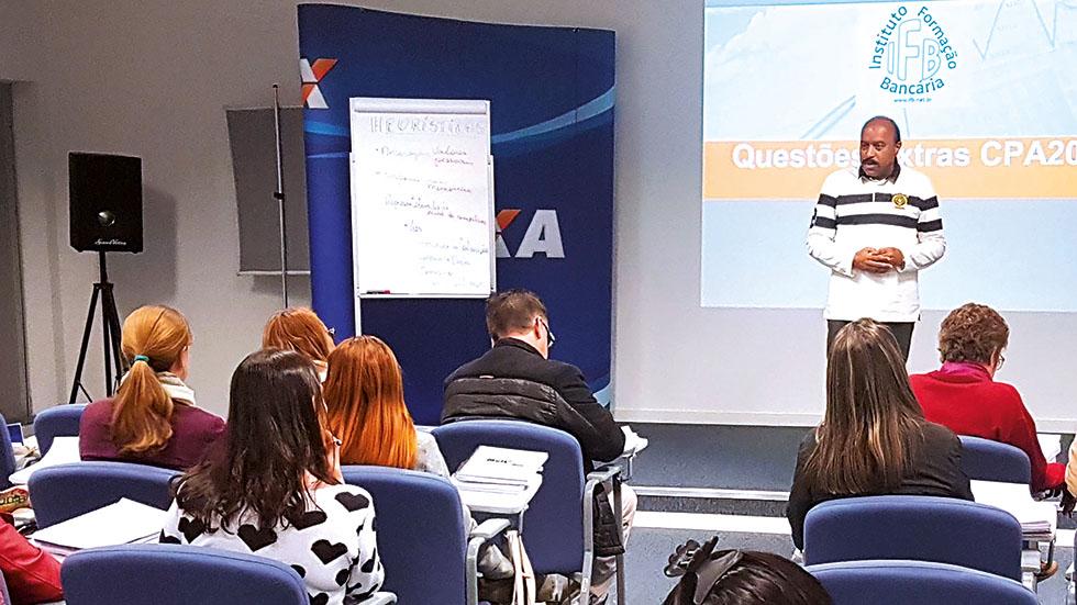Fenae e APCEF/SP promovem cursos presenciais de CPA-20