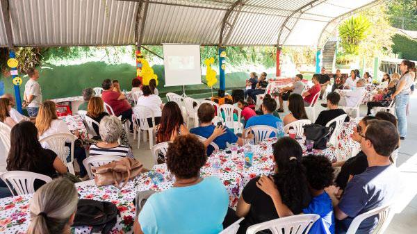 Emoção marca visita ao Lar de Crianças em Petrópolis (RJ)