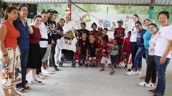 Empregados doam R$ 15 mil para o Lar das Crianças