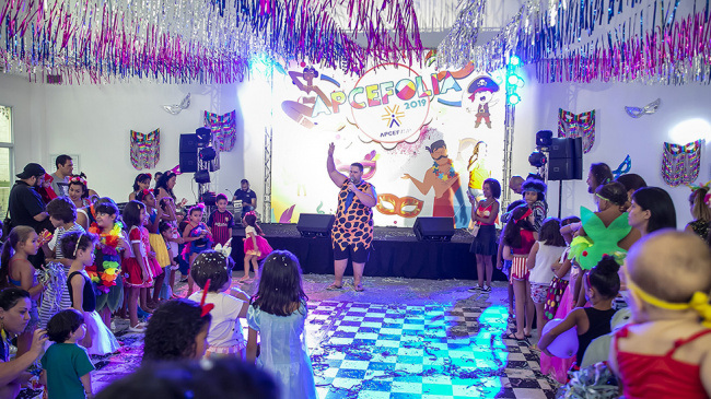 APCEFolia: o carnaval dos associados em São Paulo e Bauru