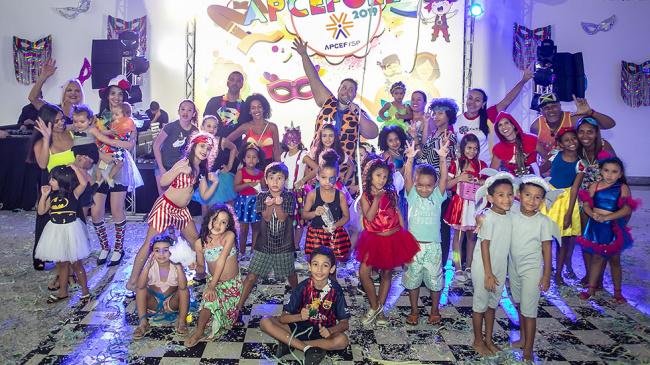 Carnaval de clube é no APCEFolia 2020. Participe!