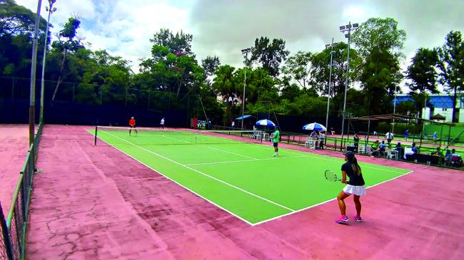 APCEF/SP faz reformas em duas quadras de tênis no clube