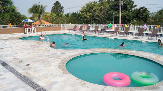 Clube Bauru: piscinas, churrasqueiras e APCEFolia 2020