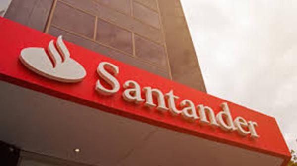 Após privatização da água, Santander concorre com a Caixa no saneamento