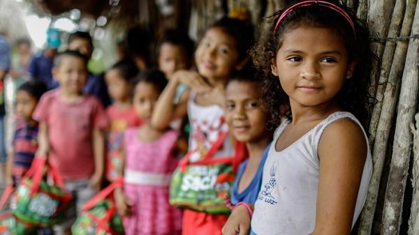 Ampliação do acesso à leitura norteia as ações da campanha do Movimento Solidário no mês das crianças este ano
