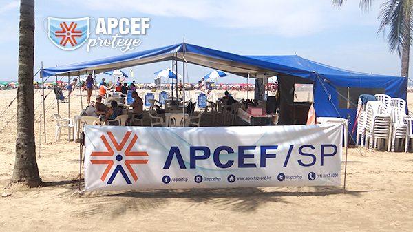Barraca da Apcef/SP na praia do Gonzaga não funciona no feriado de Ano Novo
