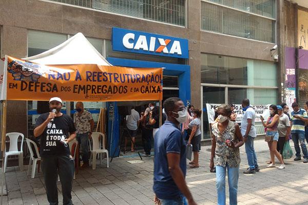 Apcef/SP e Sindicato organizam protesto em agência/SEV do centro de São Paulo