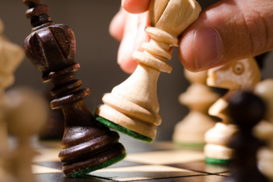 Consulta on-line sobre aulas de xadrez para mulheres recebe 53 formulários