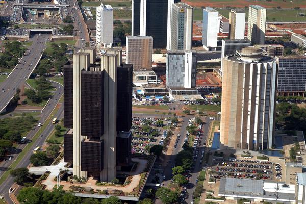 Autorização da Caixa DTVM acende alerta sobre futuro do banco público