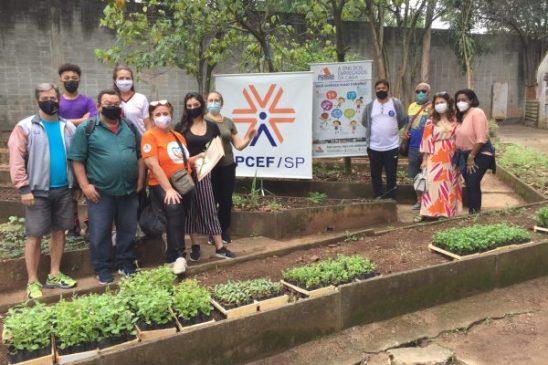 Inaugurada horta comunitária no clube da Apcef/SP