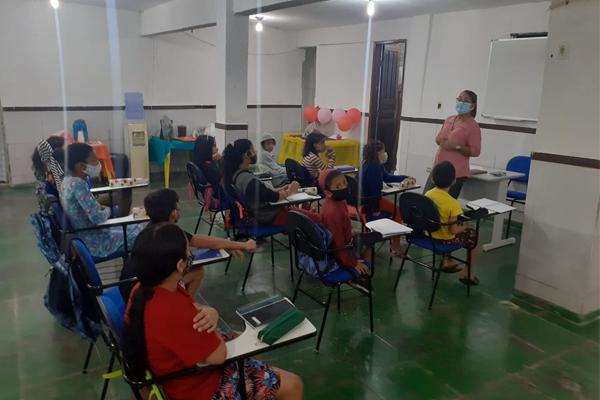 Apcef/RJ e a ONG Moradia e Cidadania reforçam aprendizagem de alunos das escolas públicas
